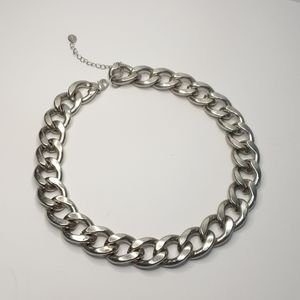 Silver tone metal chucky chain link necklace